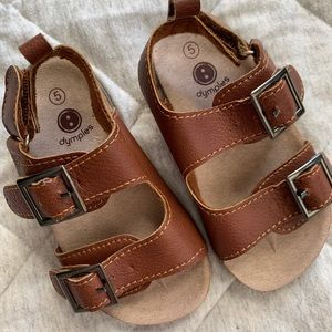 Baby buckle sandals in brown colour